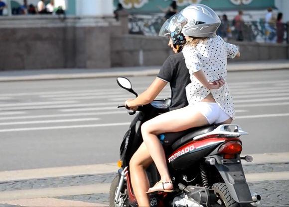 バイク またがり パンチラ エロ画像【29】