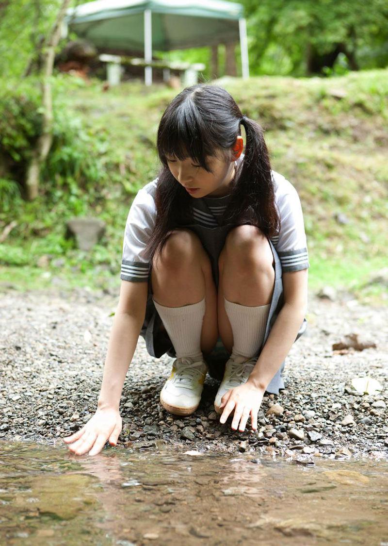 スカート スニーカー パンチラ エロ画像【28】