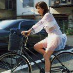 JKが透けるシースルー制服のエロ画像