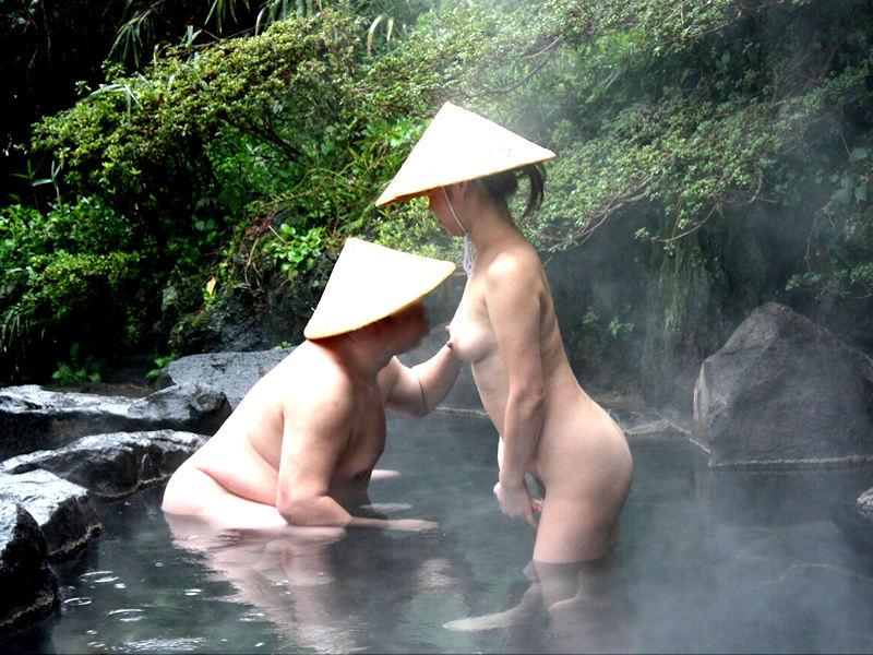 温泉と裸の女性の画像まとめ