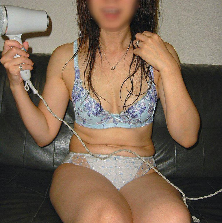 風呂上がり 人妻 熟女 エロ画像【23】