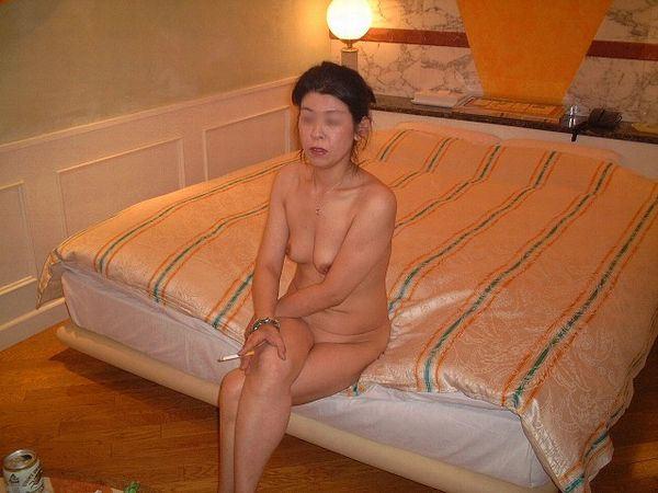 おばさん 飲酒 ほろ酔い 熟女 エロ画像【6】