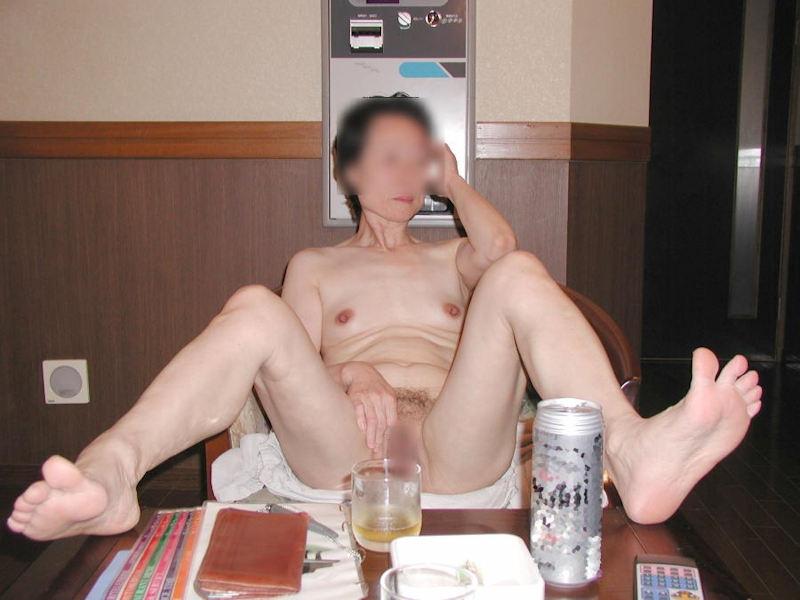 おばさん 飲酒 ほろ酔い 熟女 エロ画像【7】