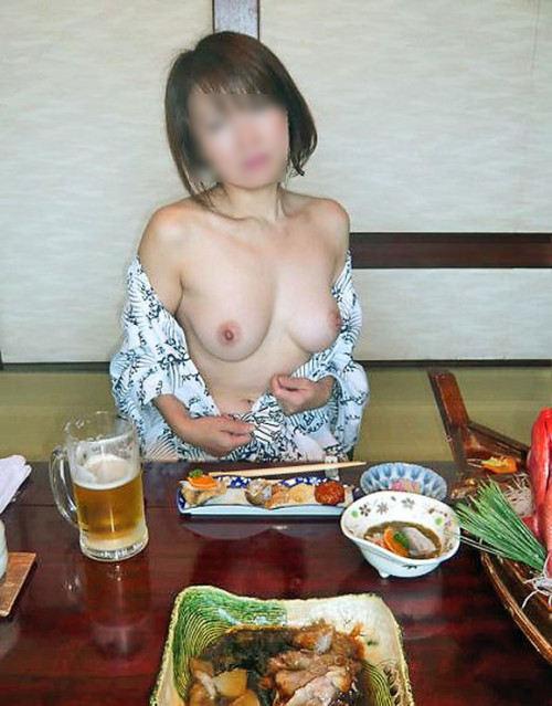 おばさん 飲酒 ほろ酔い 熟女 エロ画像【9】