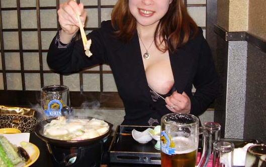 おばさん 飲酒 ほろ酔い 熟女 エロ画像【10】