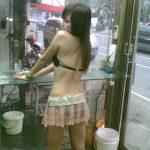 ビンロウ売り子(檳榔西施)の台湾街撮り画像