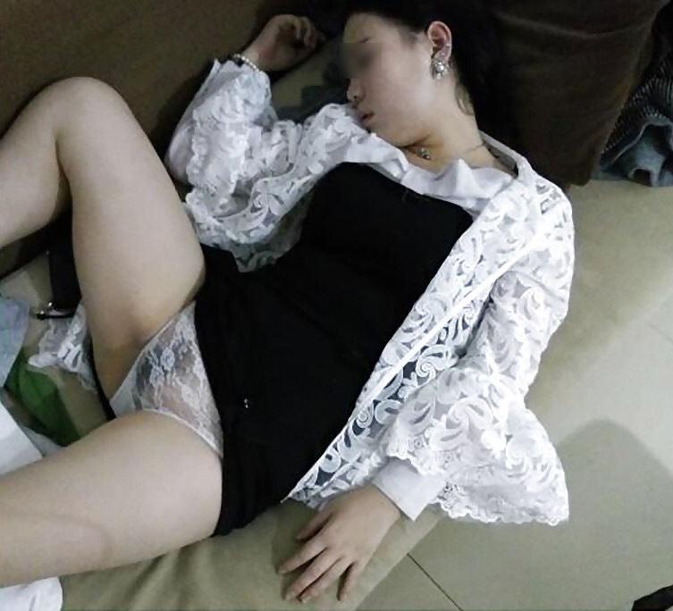 熟睡中 夜這い 悪戯 睡眠姦 エロ画像【2】