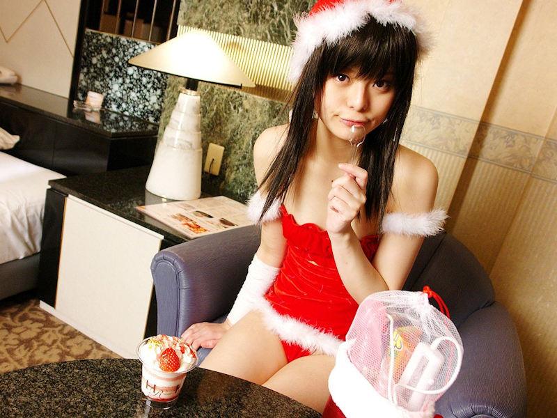 美人なミニスカサンタのクリスマスパンチラ画像