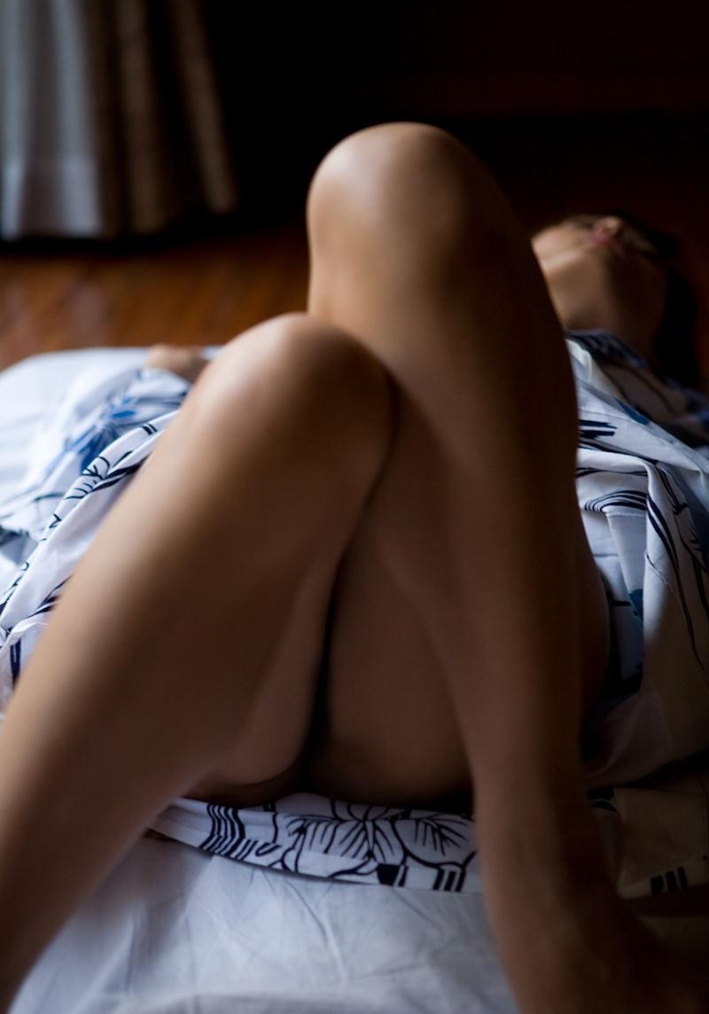 浴衣 美脚 チラリ 脚 太もも エロ画像【50】