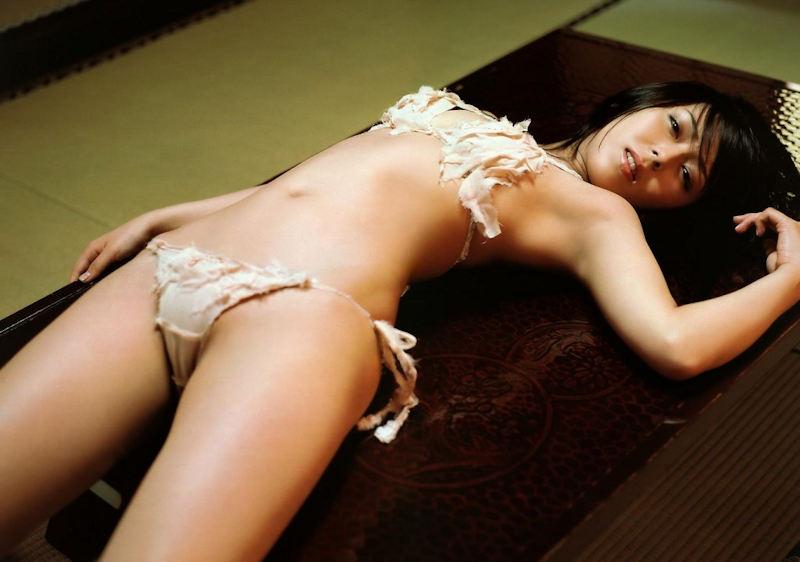 仰向け うつ伏せ 横向き寝 寝転び マンスジ エロ画像【22】