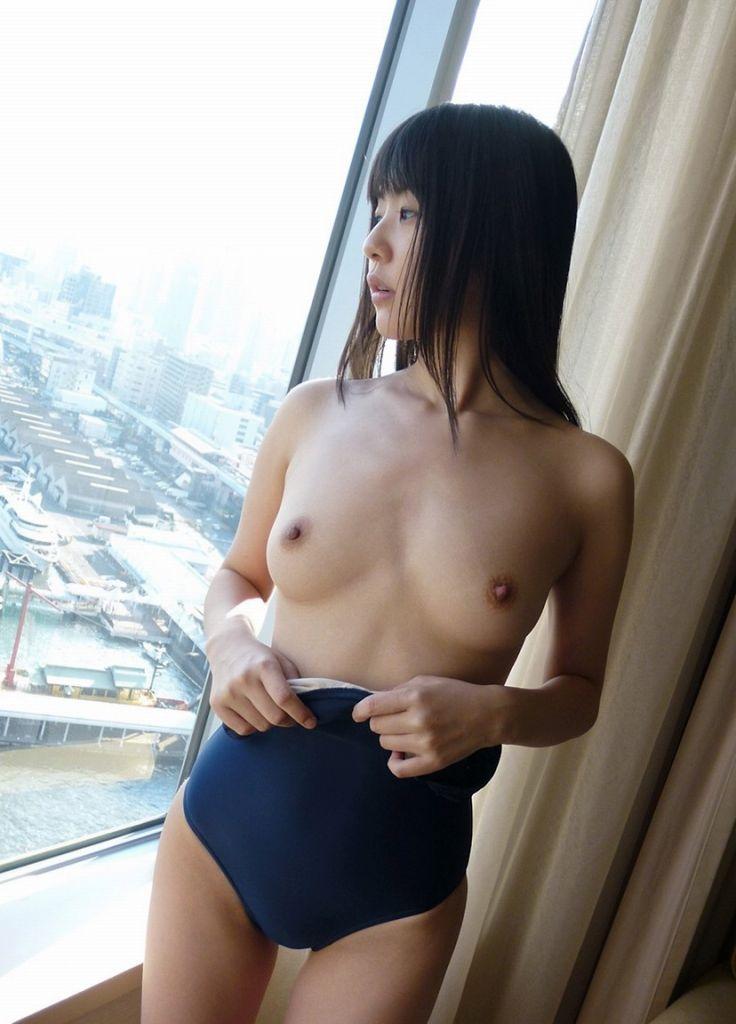 おっぱい ポロリ スク水 エロ画像【25】