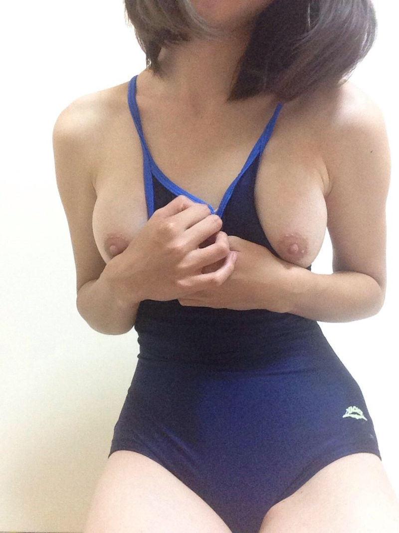 おっぱい ポロリ スク水 エロ画像【32】