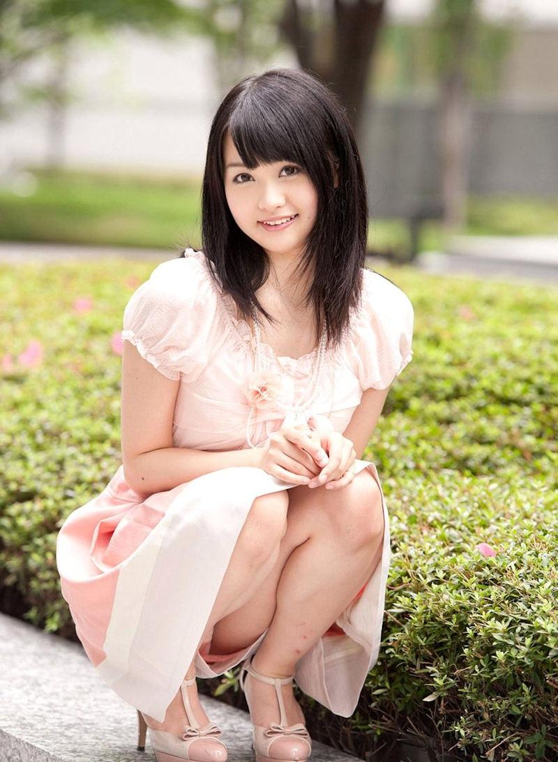 公園 デート パンチラ 美女 エロ画像【32】