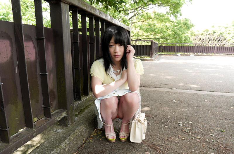 公園 デート パンチラ 美女 エロ画像【35】