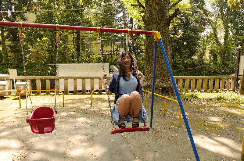 公園 デート パンチラ 美女 エロ画像【38】