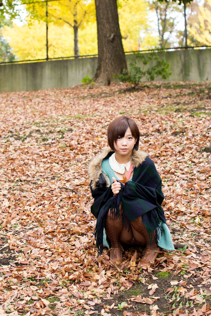 公園 デート パンチラ 美女 エロ画像【41】