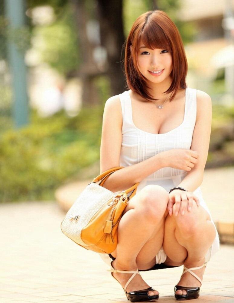 公園 デート パンチラ 美女 エロ画像【51】