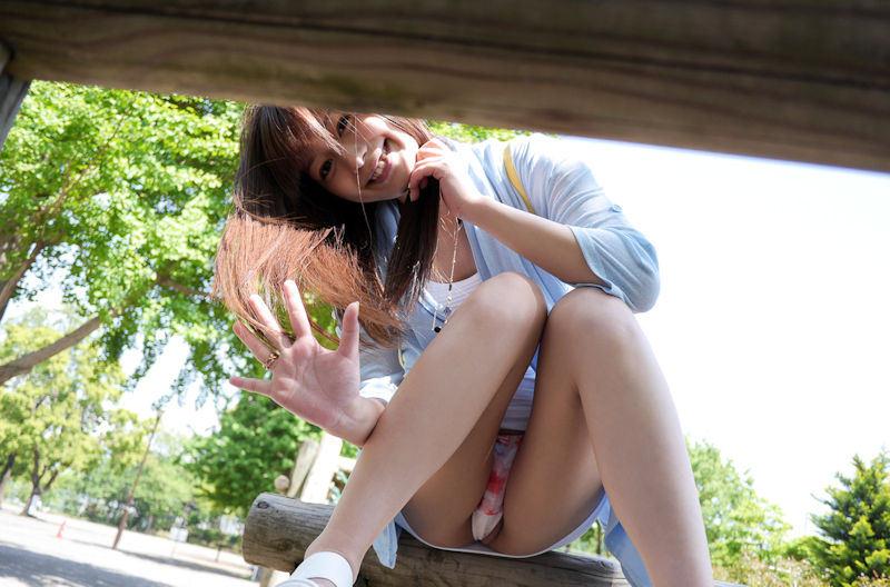 公園 デート パンチラ 美女 エロ画像【54】