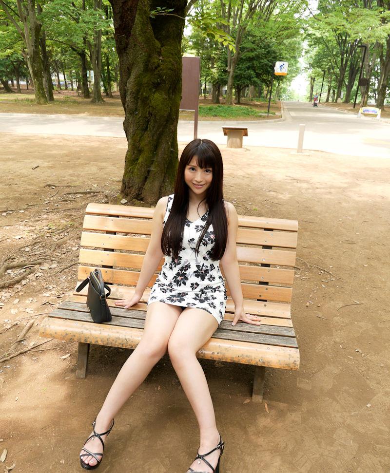 公園 デート パンチラ 美女 エロ画像【56】
