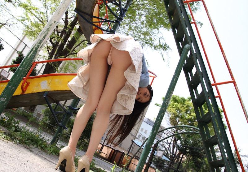公園 デート パンチラ 美女 エロ画像【59】