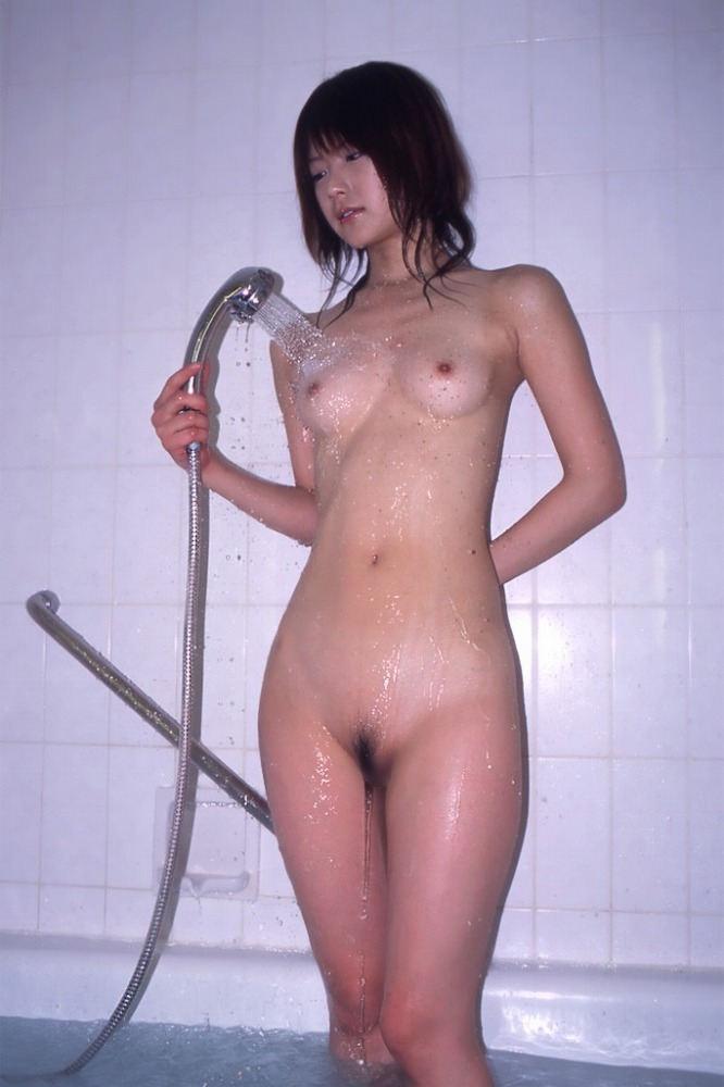 美乳 濡れる おっぱい シャワー エロ画像【40】