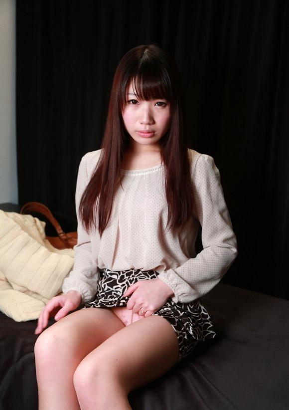 スカート たくし上げ パンツ見せ 恥ずかしがる エロ画像【21】