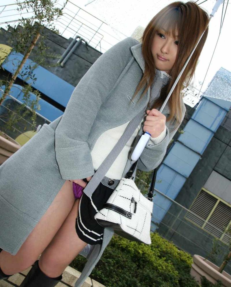 スカート たくし上げ パンツ見せ 恥ずかしがる エロ画像【33】