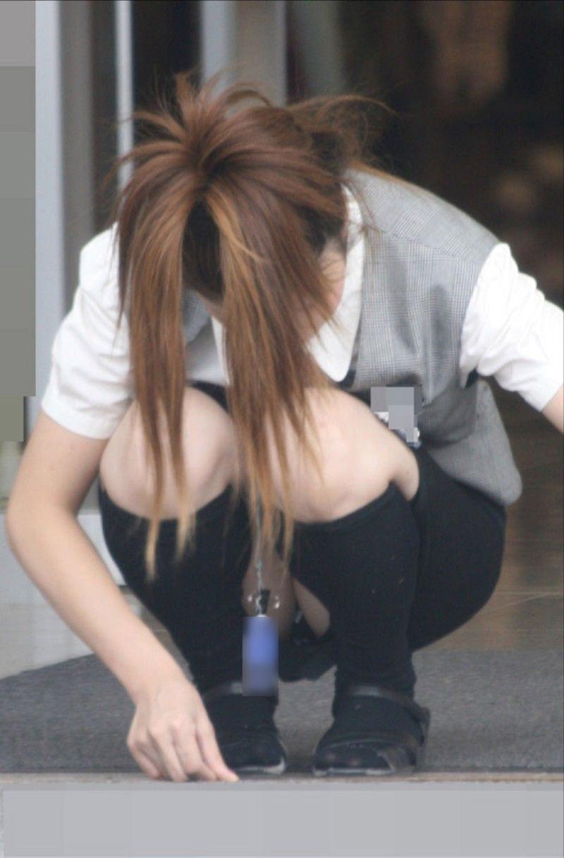 働く女性 パンチラ エロ画像【51】