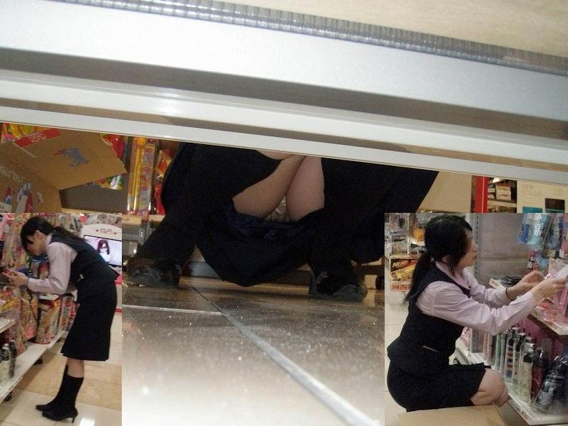 働く女性 パンチラ エロ画像【60】