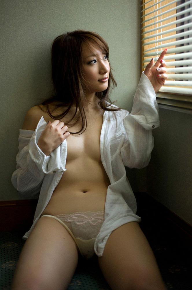 白シャツ Yシャツ パンチラ パンモロ エロ画像【25】