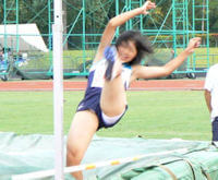 陸上女子スポーツ選手のパンチラ胸チラまとめ