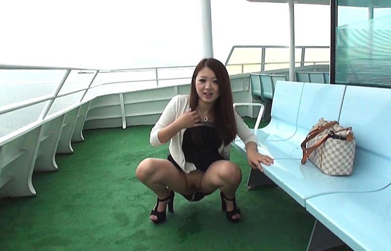 船上 露出 野外露出 エロ画像 【3】