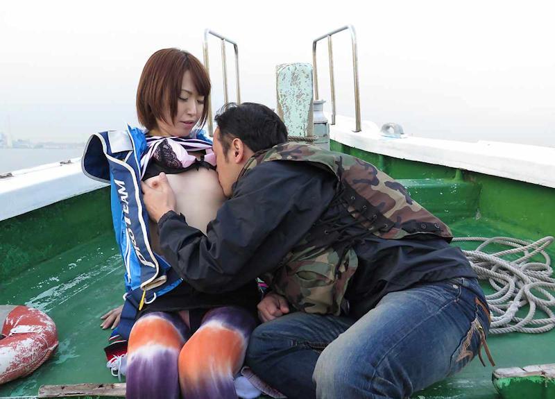 船上 露出 セックス エロ画像 【36】