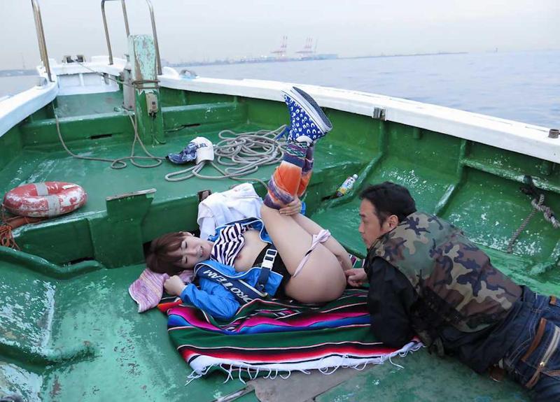船上 露出 セックス エロ画像 【42】