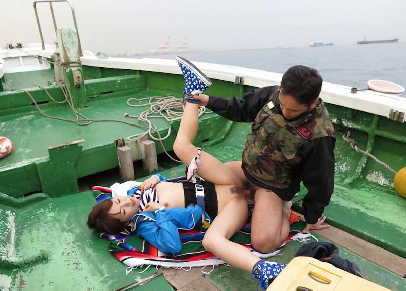 船上 露出 セックス エロ画像 【48】