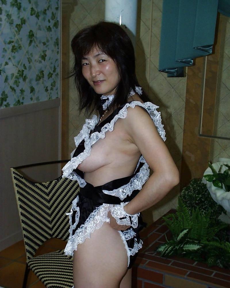 熟女コスプレエロ 熟女コスプレ画像!!色々な衣装を着たババァの140枚   エロ画像 ...