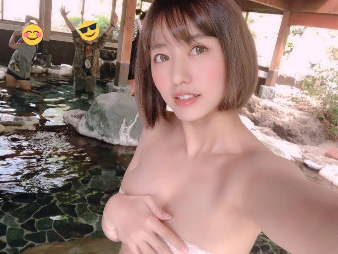 温泉 自撮り 全裸