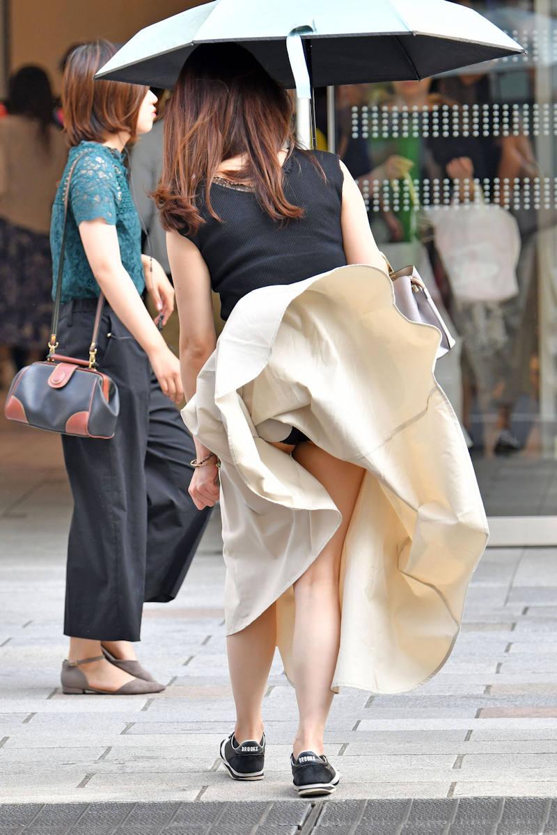 風パンチラ エロ画像 【23】