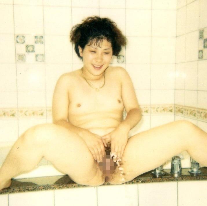 おしっこ 熟女 放尿 エロ画像 【33】